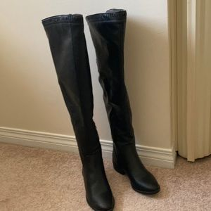 Shoes - NWOT Lexi & Abbie boots